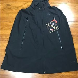 The North Face WOMEN'S APEX FLEX GTX Cape size XL.